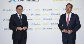 El presidente de Bankia y que será presidente ejecutivo de la nueva entidad, José Ignacio Goirigolzarri (i), y el consejero delegado de CaixaBank y que será consejero delegado de la nueva entidad / EP