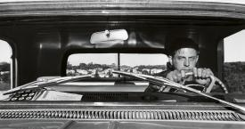 Autorretrato.Haverstraw. Nueva York 1966 / LEE FRIEDLANDER