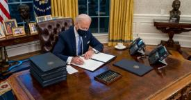 Joe Biden en el despacho oval / TWITTER