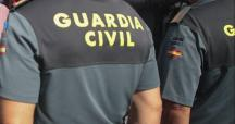 Dos agentes de la Guardia Civil / EFE