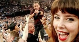 La fan de Springsteen Jessica Bloom ha conseguido un 'selfie' con el 'Boss'