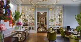 The Rosebery Lounge   looking through to reception at Mandarin Oriental Hyde Park, London Low Res