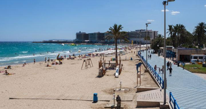 Una playa de Alicante / WIKIPEDIA