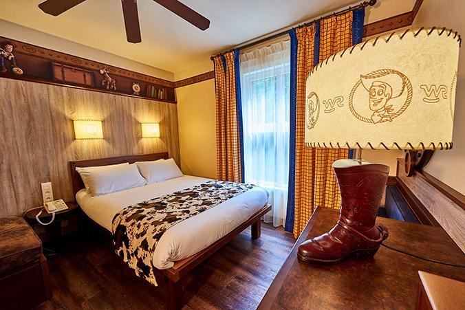 Disney's Hotel Cheyenne / BOOKING