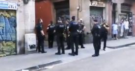 Imagen de la Brigada Móvil de los Mossos d'Esquadra en el barrio del Raval / CG