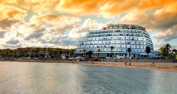 Vista del hotel Terramar de Sitges, adquirido por HI Partners en marzo de 2016, y que gestionará Meliá / CG