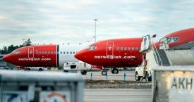 Aviones de Norwegian Air Shuttle en pista / CG