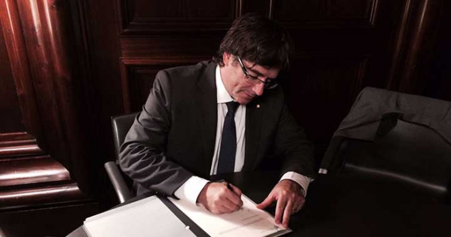 puigdemont firma ley