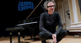 El pianista James Rhodes en un concierto benéfico / Europa Press