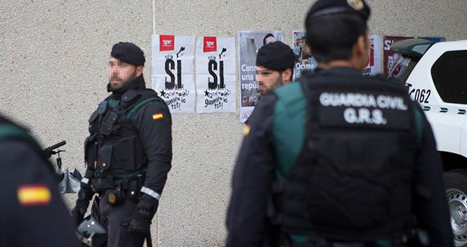 La Guardia Civil intercepta 100.000 carteles de propaganda del 1-O