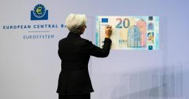 Christine Lagarde, presidenta del Banco Central Europeo (BCE), en la ceremonia de firma de billetes con su nombre / EP